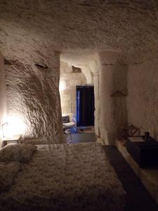 Les Troglos de Beaulieu, Bed and Breakfasts  Loches - big - 31