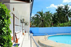 Lagunde Beach Resort, Курортные отели  Ослоб - big - 5