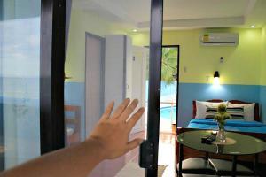 Lagunde Beach Resort, Курортные отели  Ослоб - big - 29