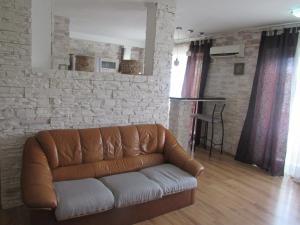 Apartment near Central Railway on Zhylianska Street