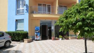 livi paradise, Apartments  Sunny Beach - big - 8