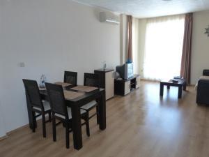 livi paradise, Apartments  Sunny Beach - big - 7