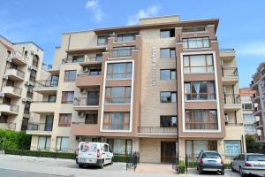Balkan Breeze 7 One bedroom Apartment EH, Apartmanok  Napospart - big - 4