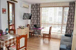 Balkan Breeze 7 One bedroom Apartment EH, Apartmanok  Napospart - big - 16