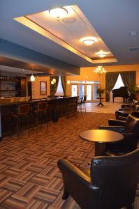 RiverRock Inn