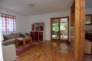 Vikend kuća Stražilovo, Holiday homes  Sremski Karlovci - big - 3