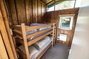 Timber Hill Self Catering Cedar Lodges, Nyaralók  Broad Haven - big - 10