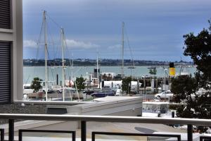 Paradise Quay - Auckland Holiday Apartment