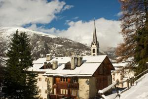 Chesa Staila Hotel - B&B, Bed and Breakfasts  La Punt-Chamues-ch - big - 23