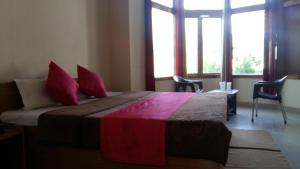 The Tara Villa, Bed & Breakfasts  Shamshi - big - 8