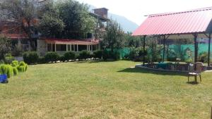 The Tara Villa, Bed & Breakfasts  Shamshi - big - 41