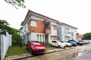 RedDoorz Near Siloam Karawaci, Penziony  Tangerang - big - 11
