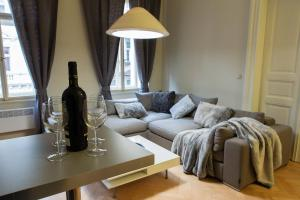 Prague Golden Age Apartment