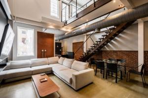 LazyKey Suites - Gorgeous Center City Penthouse w/Private Roof Deck - Apartment - Philadelphia