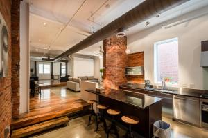 LazyKey Suites - Luxury Loft in Center City, Steps from Rittenhouse