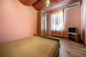 Apartment on Kotliarska 5-4
