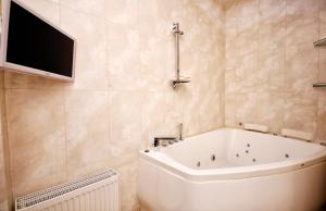 Comfort in Historical Center of Odessa, Apartments  Odessa - big - 47