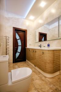 Comfort in Historical Center of Odessa, Apartments  Odessa - big - 52