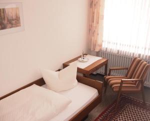 Hotel Fidelitas, Penziony  Bad Herrenalb - big - 15