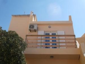 Fouli Studios & Apartments
