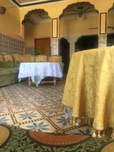 Chez Larbi, Gasthäuser  Amizmiz - big - 12