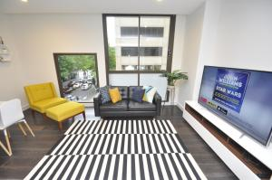 Sydney CBD Fully Self Contained Modern 2 Bedroom Apartment (202BAT) - Sydney CBD, New South Wales, Australia