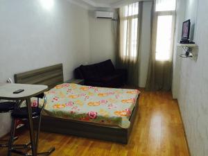 Illusion flat, Apartments  Batumi - big - 6