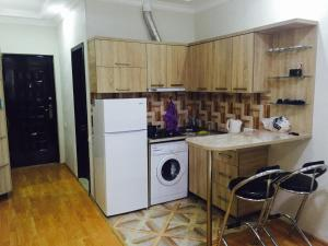 Illusion flat, Apartments  Batumi - big - 5
