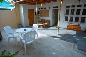 Alimas Inn, Guest houses  Thoddoo - big - 11
