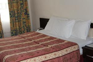 Leisure Lodge Hotels, Hotely  Freetown - big - 30