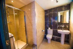 The Grand Hotel, Hotel  Swansea - big - 31