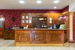Hotel Ristorante Donato, Hotely  Calvizzano - big - 120
