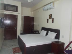 Rudraksh Guest House
