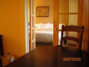Chateau Regina Hotel and Suites, Hotels  Regina - big - 3