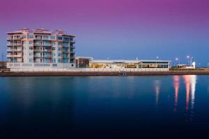 Copper Cove Marina Apartments