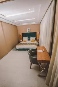 Down Town Hotel By Business & Leisure Hotels Discount