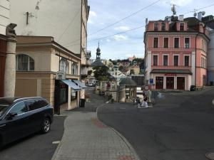Apartment Veronika 2, Appartamenti  Karlovy Vary - big - 23