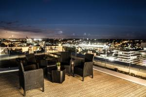 Rethink Serviced Apartments - Hewitt Tower (The Penthouse at Hewitt)