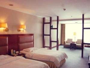 Discount Century Hotel