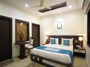 OYO Rooms Near Taj View Crossing