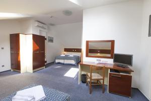 Hotel Atos, Hotels  Prague - big - 25
