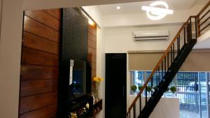 Spacious and Cozy Condo Unit Accross NAIA Terminal 3