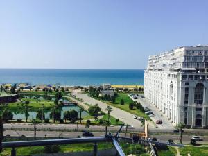 Illusion flat, Apartments  Batumi - big - 8