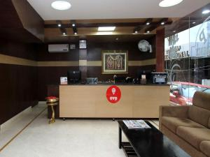 OYO Rooms Majestic VRL Bus Stand