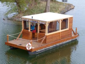Hausboot auf dem Schweriner See