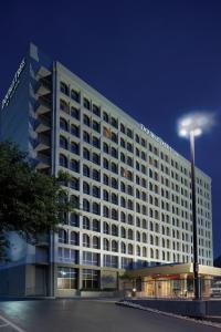 DoubleTree by Hilton Dallas Market Center