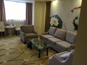 Lu Kai Yue Business Hotel