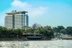 Браззавиль - Radisson Blu M'Bamou Palace Hotel Brazzaville