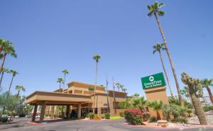 obrázek - GreenTree Inn & Suites Phoenix Sky Harbor