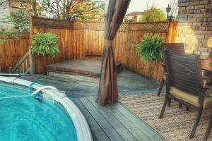 4 bedroom-house with Pool and Hot Tub Downtown, Apartmány  Gatineau - big - 8
